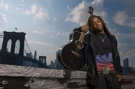 "Nickelodean ""Victorious"" Star Leon Thomas III Begins Working On New Album"